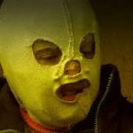 Fetița cu mască e pregătită pentru o carieră în wrestling