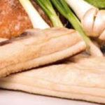 Cercetătorii români au descoperit raportul optim slănină / pâine / ceapă