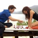 Partidă de șah pe dezbrăcate se termină în pat*
