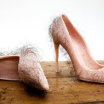 Băga-mi-aș picioarele în ei pantofi!