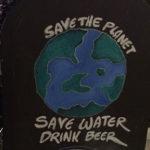 Cîtă apă economisești, de fapt, cînd bei bere?